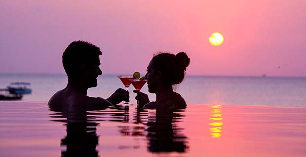 06_Z-Hotel-Infinity-pool_Sunset