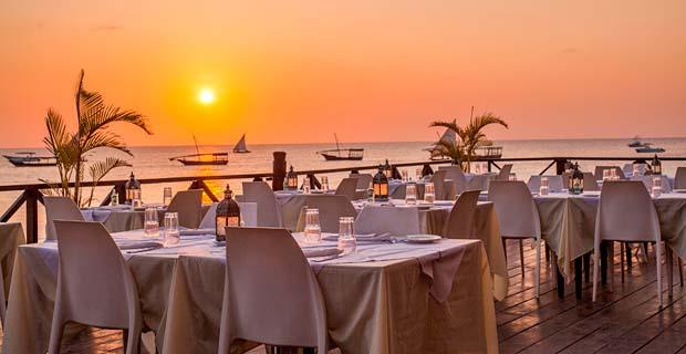 03_Z-Hotel-Saruche-Restaurant-Sun-Set